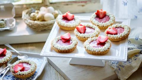 Strawberry Curd Tartlet