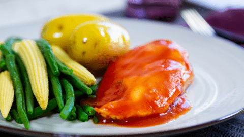 Barbecue Chicken with Corn on the Cob & Green Beans
