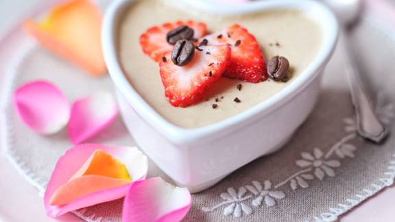 Mousse au café with strawberries