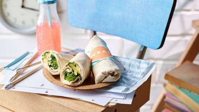 Wraps with fried zucchini and cashew cream