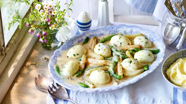 Egg spring vegetables