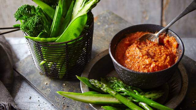 Green vegetables with Romesco dip