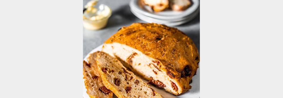 No Knead Sundried Tomato Bread